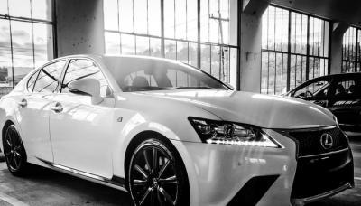 Mobil Sedan Lexus