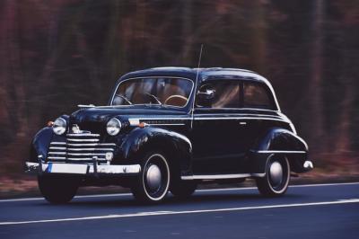 Mobil Klasik Hitam