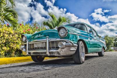 Mobil Klasik Hijau Tua