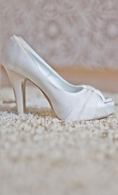 High Heels With Pearl White